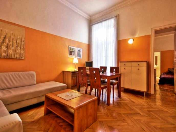 City 07 v ci the fashion street apartment in budapest for Apartment fashion