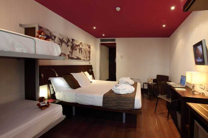 Hotel petit palace marques santa ana in seville hotels for Hotel petit budget