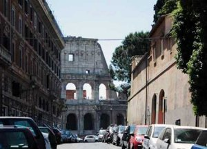 Colosseum Street Apartment