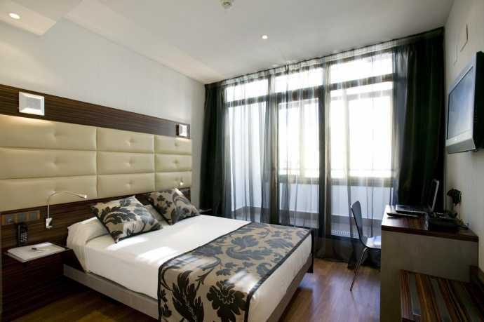 Hotel petit palace cliper gran v a in madrid hotels for Hotel petit budget