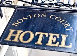Boston Court Hotel