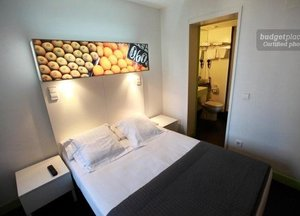 Hostal Raval Rooms